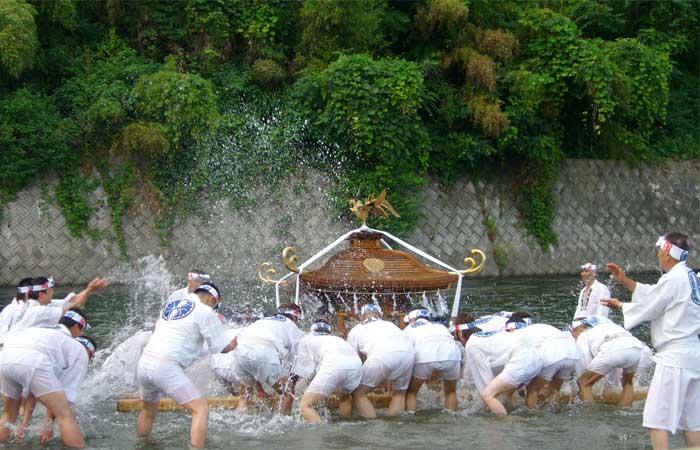 神輿洗い(20日)